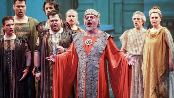 Bolşoy Tiyatrosu'nda Türk operası 'Truva' sahnelendi - Sputnik Türkiye