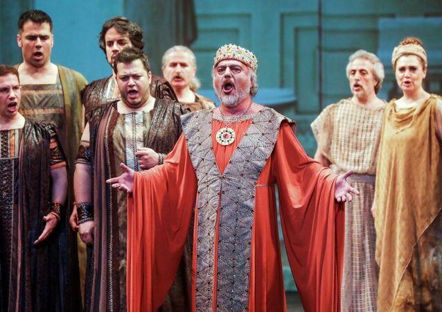Bolşoy Tiyatrosu'nda Türk operası 'Truva' sahnelendi