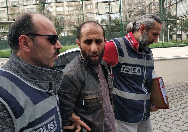 Samsun'da muhtarlık seçimi tartışmasında bir markette tabanca ve tüfekle ateş açarak 1'i ağır 2 kişiyi yaralayan market sahibi Selim D.