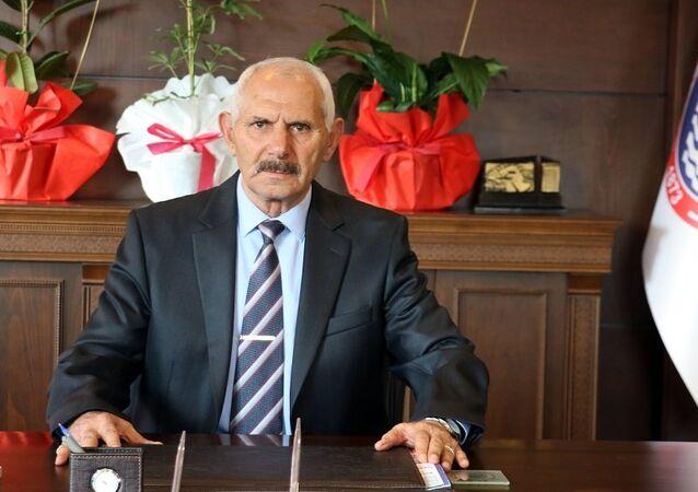 Selahattin Çuhadaroğlu