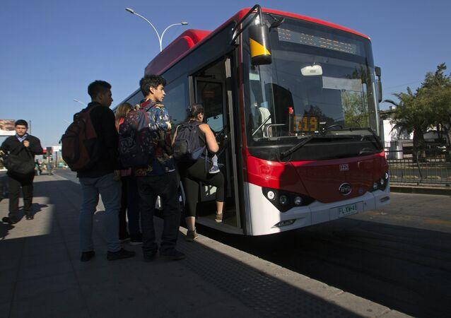Paris, elektrikli otobüs sistemine geçiyor