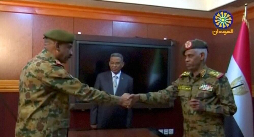 Sudan Savunma Bakanı Avad Muhammed Ahmed bin Avf