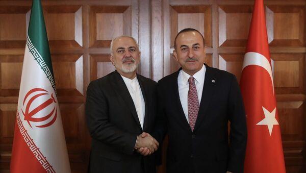 İran Dışişleri Bakanı Cevad Zarif ve mevkidaşı Mevlüt Çavuşoğlu - Sputnik Türkiye