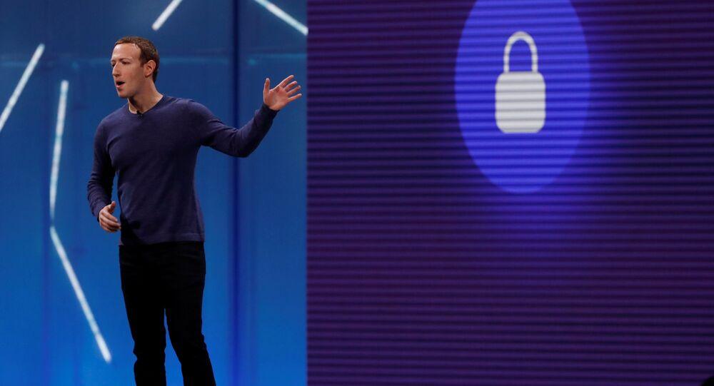 Kamuoyuna kullanıcı verilerini koruduklarına dair açıklamalar yapan Facebook CEO'su Mark Zuckerberg'in uzun yıllardır en üst düzey yöneticileriyle kullanıcı verilerine erişimi pazarlamaya dair planları ele aldığı belirtildi.