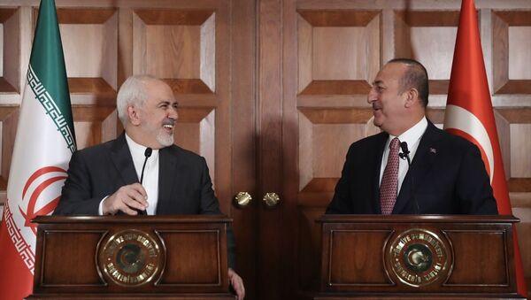 Dışişleri Bakanı Mevlüt Çavuşoğlu ve İranlı mevkidaşı Cevad Zarif - Sputnik Türkiye