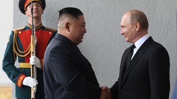 Rusya Devlet Başkanı Vladimir Putin - Kuzey Kore lideri Kim Jong-un - Sputnik Türkiye