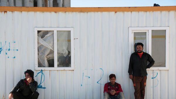Afganistan'dan kaçak yollarla Diyarbakır'a gelen 200 mülteci İstanbul'a gitmek istiyor - Sputnik Türkiye