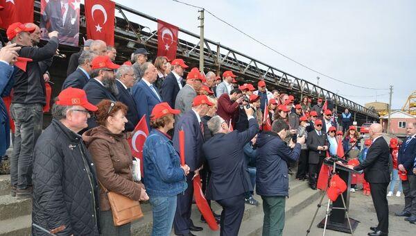 Türkiye'nin kurucusu Mustafa Kemal Atatürk'ün Lenin'e yazdığı mektubun 99. yılında düzenlenen panelin açılışındaki katılımcılar - Sputnik Türkiye