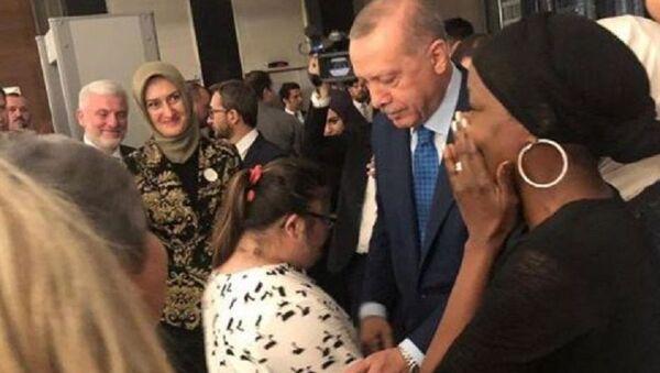 Della Miles - Erdoğan - Sputnik Türkiye