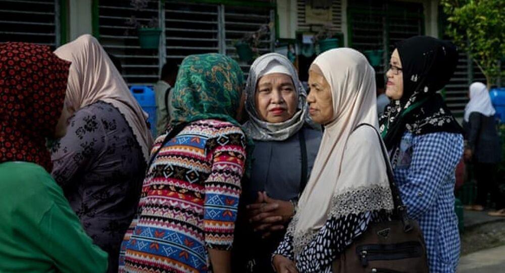 Filipinler'de bir kasabada dedikodu yasaklandı