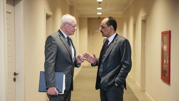 Cumhurbaşkanlığı Sözcüsü İbrahim Kalın,  ABD'nin Suriye Özel Temsilcisi James Jeffrey ile bir araya geldi. - Sputnik Türkiye