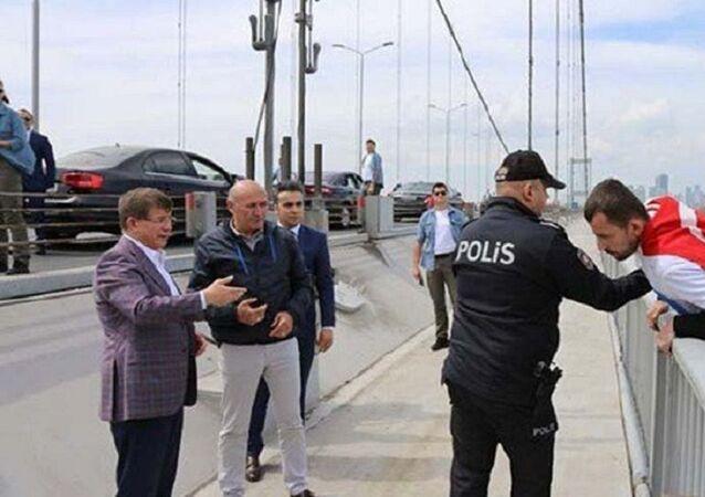 Ahmet Davutoğlu, köprü, intihar girişimi