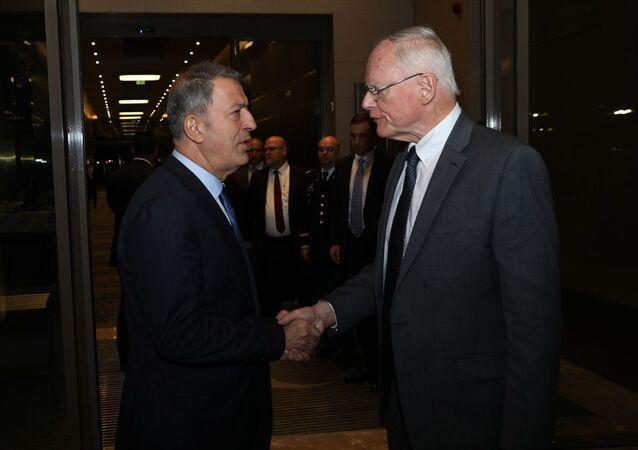 Milli Savunma Bakanı Hulusi Akar, ABD'nin Suriye Özel Temsilcisi James Jeffrey ile bir araya geldi.