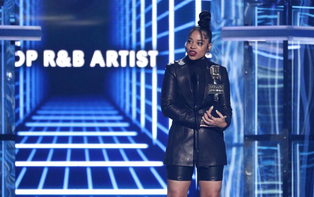 En İyi R&B Sanatçısı: Ella Mai