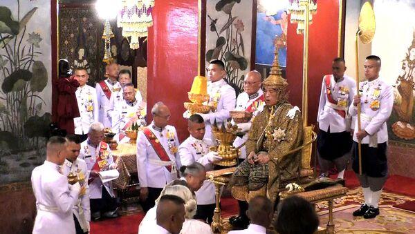 Tayland'da Kral Maha Vajiralongkorn için düzenlenen taç giyme törenleri  - Sputnik Türkiye