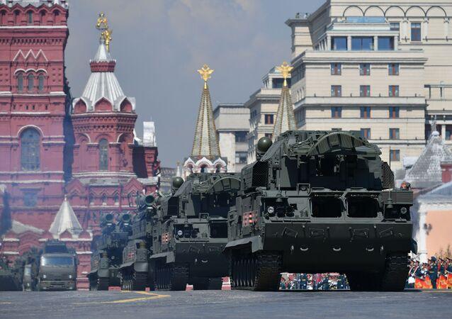 Her türlü hava koşulunda çalışabilen Tor-M2 hava savunma füze sistemleri.