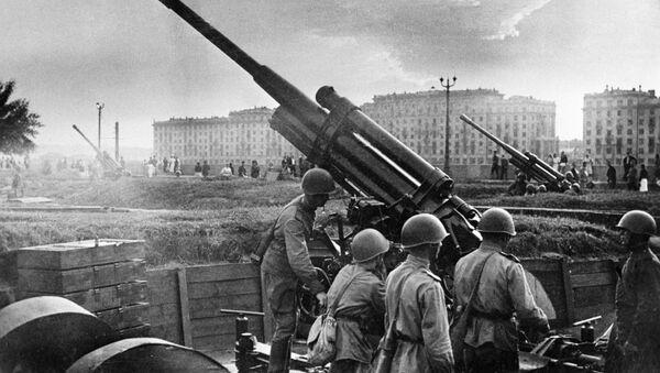 2. Dünya Savaşı döneminde ve günümüzde Moskova görüntüleri - Sputnik Türkiye