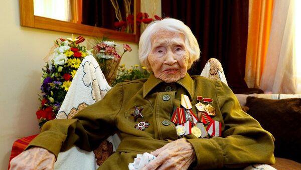 Antalya'da yaşayan Rus savaş kahramanı 98 yaşındaki Dr. Valentina Lyatifova - Sputnik Türkiye