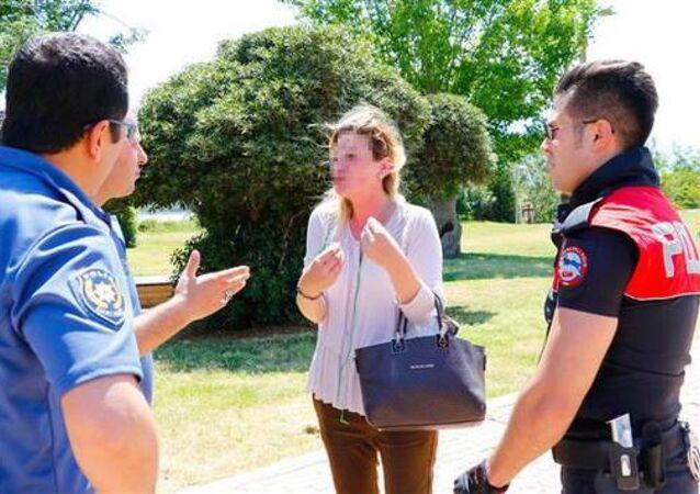 'Türkleşmeyin, barbarsınız' diyen kadın, gözaltına alındıktan sonra serbest bırakıldı