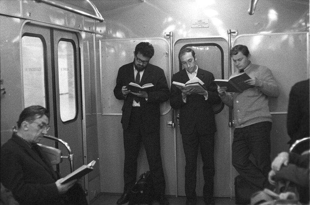 1970'li yıllardan metro yolcuları.