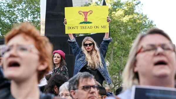 ABD'de kürtaj yasakları protesto ediliyor. - Sputnik Türkiye