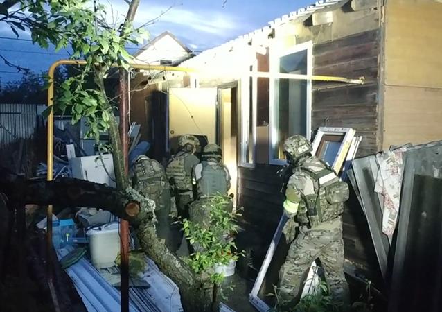 Rusya Ulusal Terörle Mücadele Komitesi'nden (NAK) terör saldırısı gerçekleştirmeyi planlayan militanlara evlerinde baskın