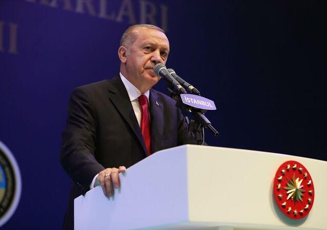 Türkiye Cumhurbaşkanı Recep Tayyip Erdoğan, Avrasya Gösteri ve Sanat Merkezi'nde gerçekleştirilen İstanbul Esnaf ve Sanatkarları İftar Programına katılarak konuşma yaptı.
