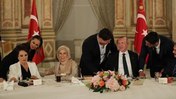 Türkiye Cumhurbaşkanı Recep Tayyip Erdoğan ve eşi Emine Erdoğan - Sputnik Türkiye
