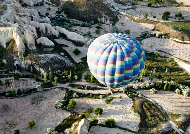 Dünyada en çok fotoğraflanan turistik mekanlar listesinin 2. sırasına yerleşen Kapadokya'nın manzarası.