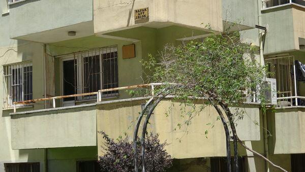 Kız öğrenciler için bağışlanan ev Suriyeli erkeklere kiralandı - Sputnik Türkiye