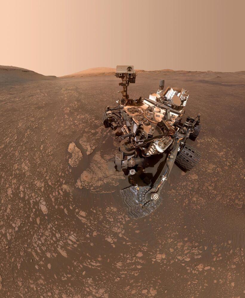 Curiosity keşif aracı, Mars'ta büyük kil minerallerine rastladı.