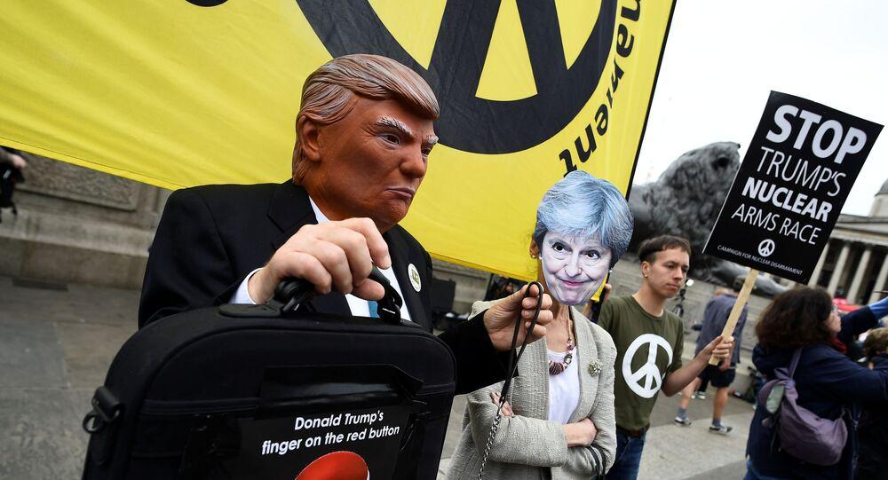Londra'da Trump'ı protesto gösterileri