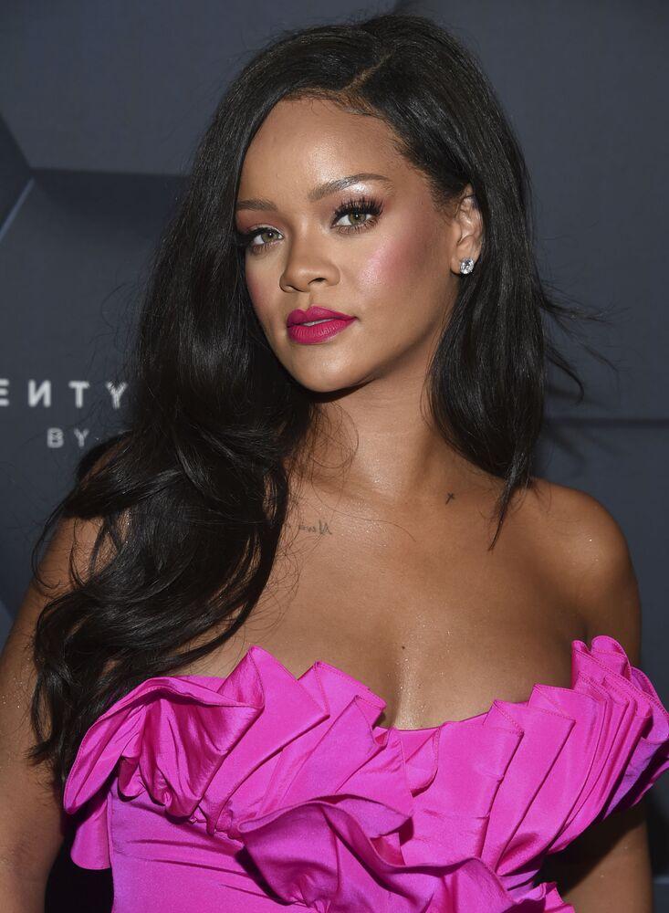 Ünlü Barbadoslu şarkıcı ve şarkı yazarı Rihanna, 600 milyon dolarla Forbes listesinin zirvesine oturdu.