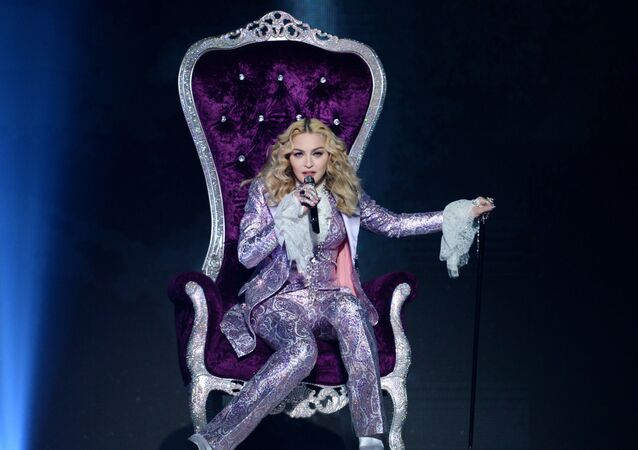 Dünyaca ünlü şarkıcılardan Madonna, 570 milyon dolarla ikinci sırada yer aldı.