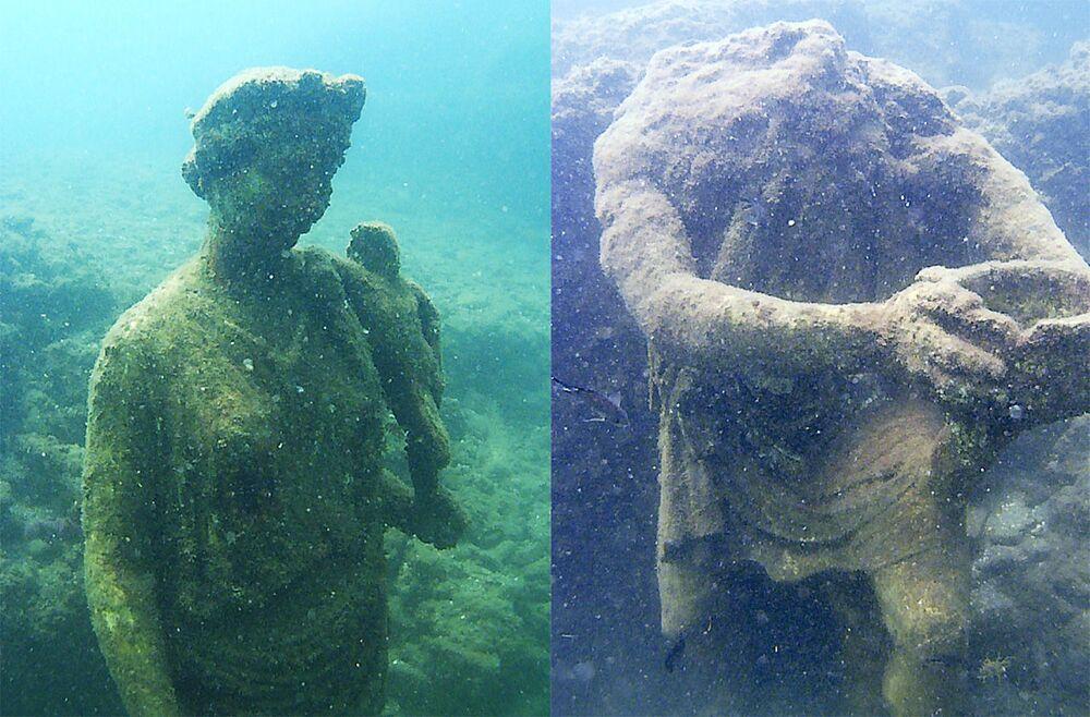 İtalya'daki su altı arkeolojik alandabulunan antik heykel.