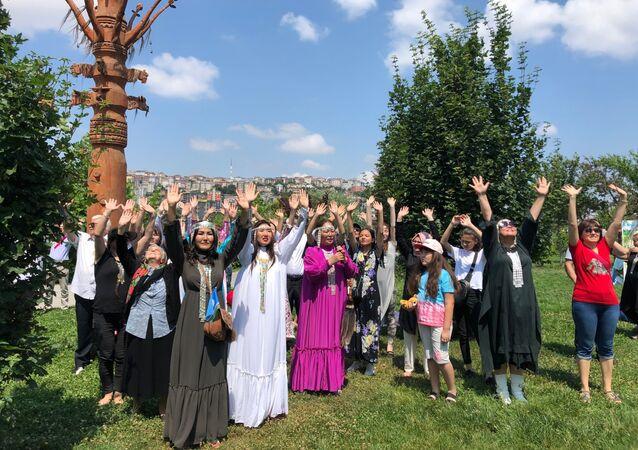 İstanbul'da Yakutların geleneksel bayramı Isıah kutlandı.