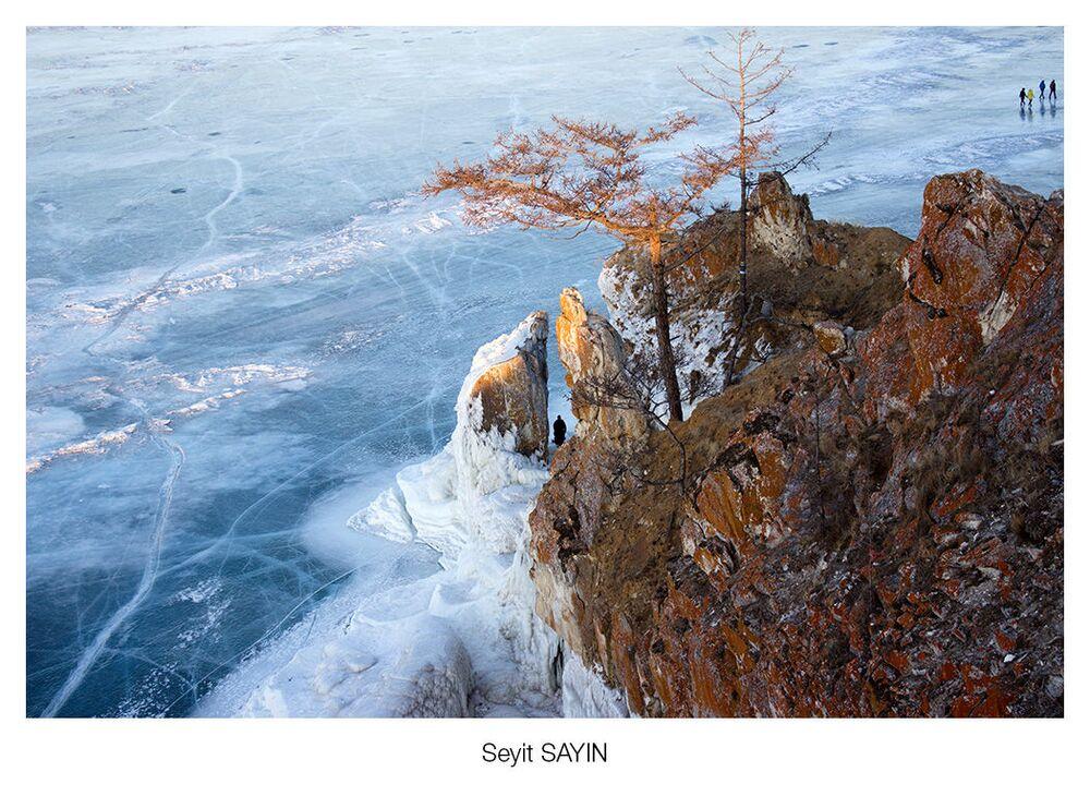 Fotoğrafçı Seyit Sayın'ın görüntülediği Baykal Gölü'ndeki Olhon Adası manzarası.