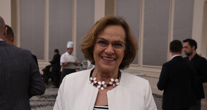 İstanbul'daki Rusya Günü resepsiyonuna Şule Perinçek de katıldı.