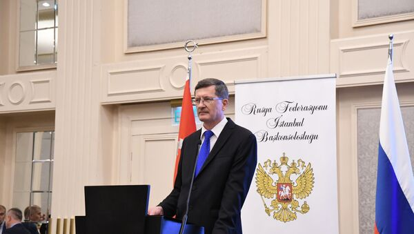 İstanbul'da Rusya Günü kutlamasında Rusya İstanbul Başkonsolosu Andrey Podyelışev  - Sputnik Türkiye