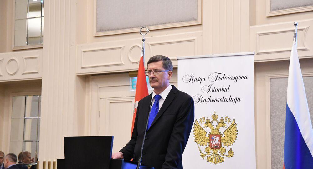 İstanbul'da Rusya Günü kutlamasında Rusya İstanbul Başkonsolosu Andrey Podyelışev