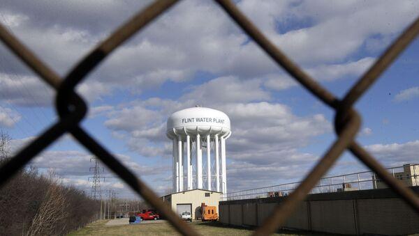 ABD'nin Michigan eyaletindeki Flint bölgesinde yaşanan su kirliliği krizi - Sputnik Türkiye