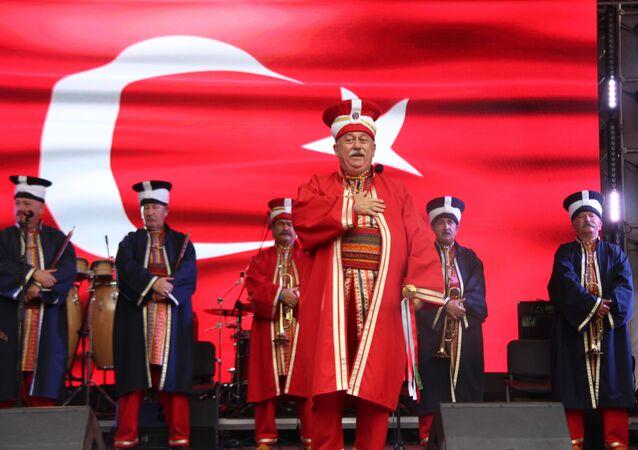 Bu yıl 3.'sü düzenlenen Moskova'daki Türkiye Festivali kapsamında sahne alan Mehter Takımı'nın gösterisinden bir kare.