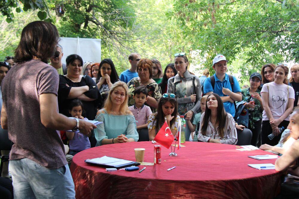 Moskova'daki Türkiye festivali kapsamında türkçe dersler.