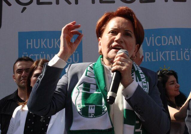 İYİ Parti Genel Başkanı Meral Akşener, seçim çalışmaları kapsamında Küçükçekmece, Başakşehir ve Bayrampaşa'da halka seslendi.