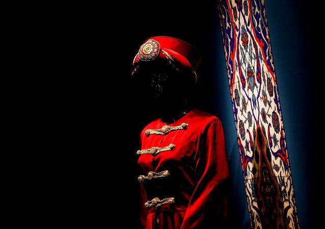Rusya'nın başkenti Moskova'da Çağdaş Tasarımcıların Gözüyle Osmanlı Kaftanları sergisi düzenlendi.