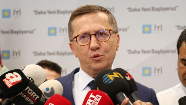 Lütfü Türkkan - Sputnik Türkiye