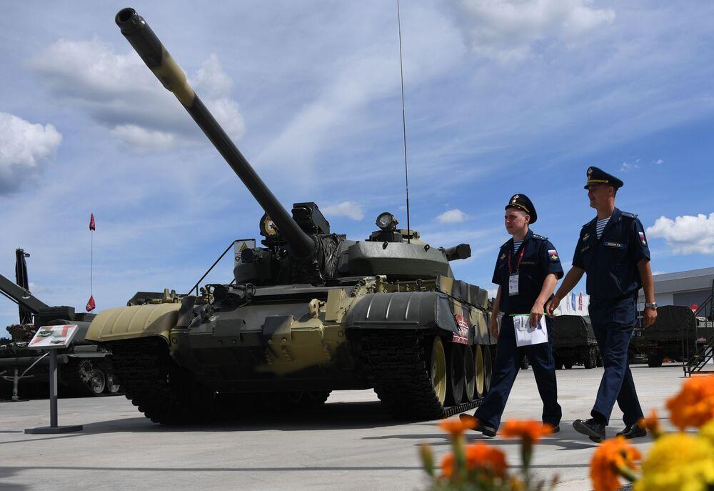'ARMY-2019 Forumu'nda sergilenen T-55A tankı.
