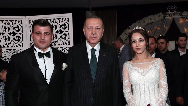 Rıza Kayaalp evlendi - Sputnik Türkiye