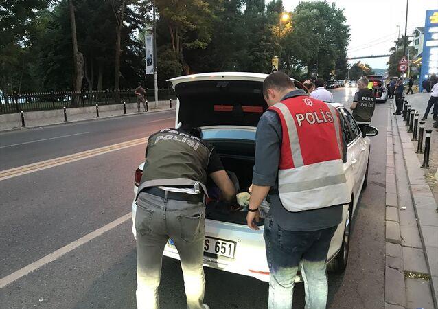 İstanbul'da Yeditepe Huzur asayiş uygulaması kapsamında, 39 ilçede denetim gerçekleştirildi.