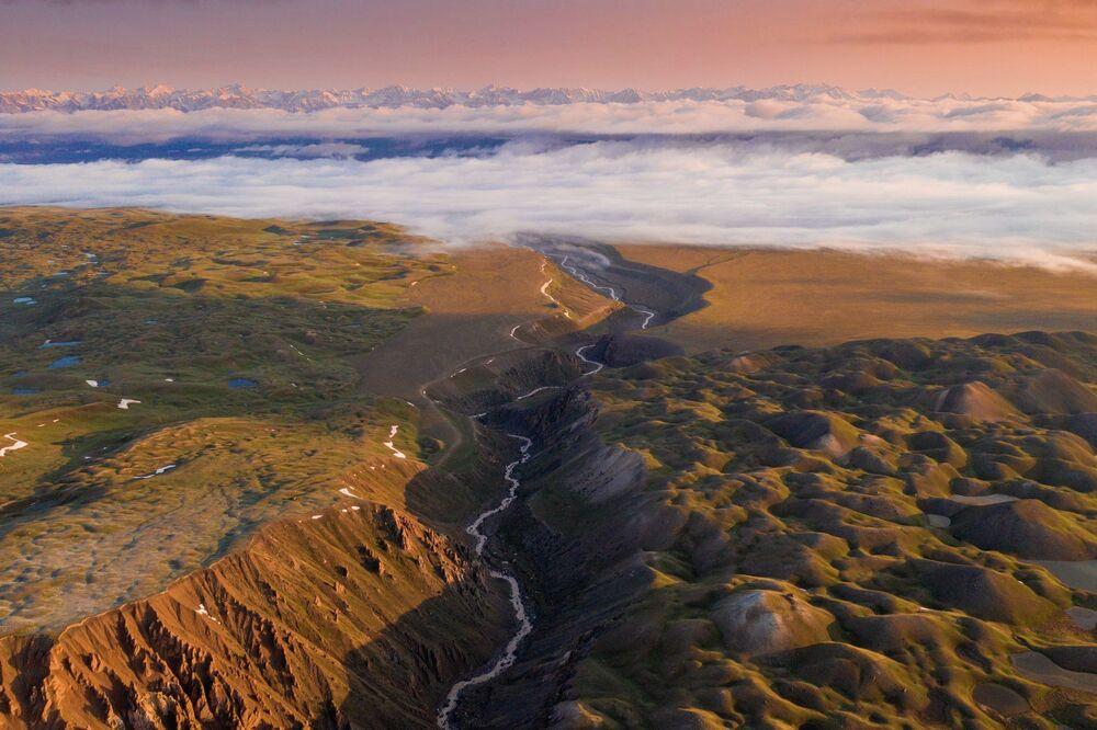 Hollandalı fotoğrafçı, Kırgızistan gezisinin başka gezegene yolculuğa benzediğini  dile getirdi.
